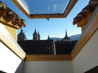 Bright Condo with A/C and Television - San Lorenzo de El Escorial vacation rentals