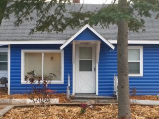 2 bedroom Cottage with Internet Access in Atlanta - Atlanta vacation rentals