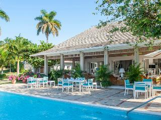 Perfect Villa with Internet Access and A/C - World vacation rentals