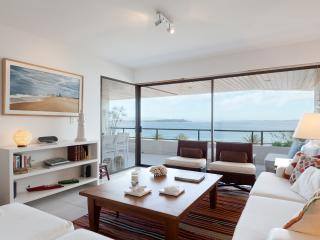 Tranquil Seaside 3 Bedroom Apartment in La Punta - Punta del Este vacation rentals