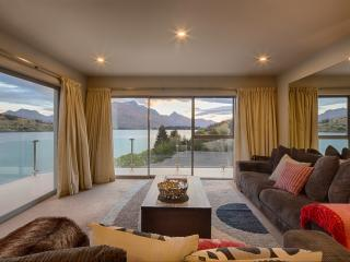 Alpine Lakeside Apartment - Queenstown vacation rentals