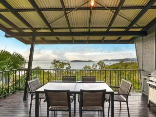 Nice Condo with A/C and Balcony - Hamilton Island vacation rentals
