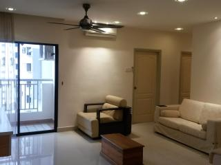 The Pelangi Suite: Convenience, Clean & Worthwhile - Petaling Jaya vacation rentals