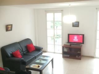 Duplex 1 bed apt with small terrace and sea view - Benalmadena vacation rentals