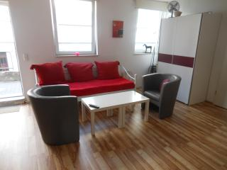 Cozy 1 bedroom Bremen Apartment with Internet Access - Bremen vacation rentals