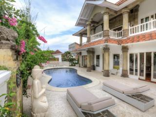 5 bedroom House with Patio in Jimbaran - Jimbaran vacation rentals