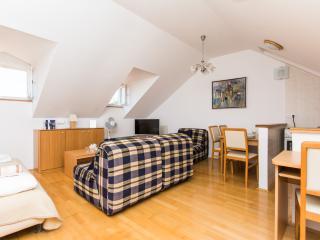 Duplex apartment ČIČISBEO,next to Rupe:) - Dubrovnik vacation rentals