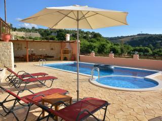 Villa Dafnos III, peaceful retreat! - Rethymnon vacation rentals