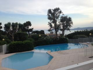 Beautiful Apartment with Garden and Sea View - Cap d'Ail vacation rentals