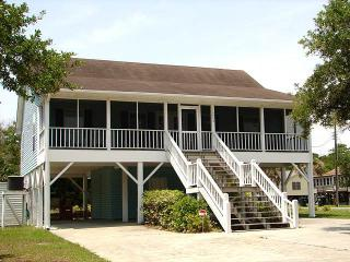 "2202 Myrtle St - ""Takin ' It 'Sto"" - Edisto Beach vacation rentals"