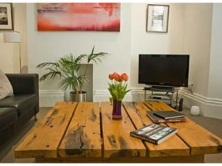 1 bedroom flat in City centre with parking - Brighton vacation rentals