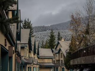 Comfortable 2 bdm, 2 bath townhome, close to slopes & village. Private garage - Whistler vacation rentals