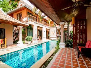 10 beds Thai villa near walking street - Jomtien Beach vacation rentals