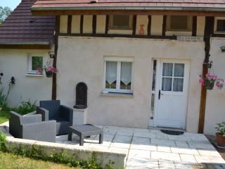 La Licorne, dans une dépendance, logt 2 personnes - Lamarche-sur-Saone vacation rentals