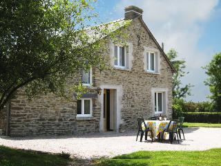 Traditional Breton Cottage (sleeps 4) - Treal vacation rentals