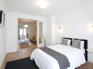 Ideal Apartment in Antwerp-Zuid Black&White - Antwerp vacation rentals