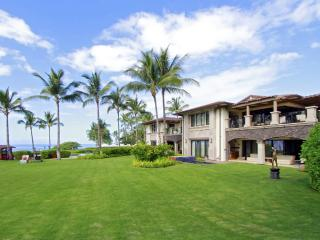 Three Bedroom Wailea Beach Villa - Oceanfront Luxury Living! - Kihei vacation rentals