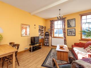 The Tron Square Residence - Edinburgh vacation rentals