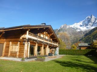 Chalet Adriana, 10 pax, at the foot of the slopes - Les Praz-de-Chamonix vacation rentals