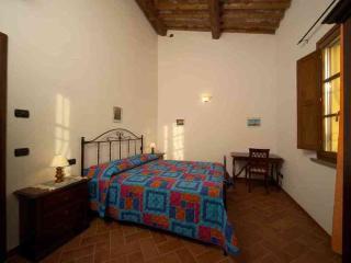 Appartamento MIMOSA, Vacanze in Toscana, affitto - Cascina vacation rentals
