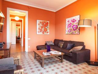 Gorgeous in the Borne quarter! with lift! - Barcelona vacation rentals