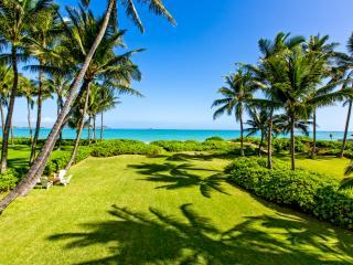 PREMIER KAILUA BEACHFRONT GETAWAY - Kailua vacation rentals