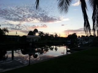 Great Beach Complex Home with Bikes, Kayak & More. - Port Charlotte vacation rentals