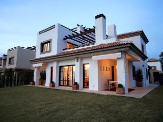 House - Sevilla (15 mins)  - golf - swimming pool - Las Pajanosas vacation rentals