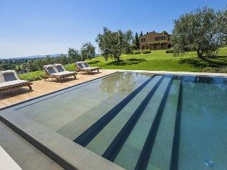 Bright 4 bedroom Vacation Rental in Corazzano - Corazzano vacation rentals