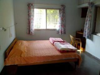 1 bedroom Condo with Housekeeping Included in Aurangabad - Aurangabad vacation rentals