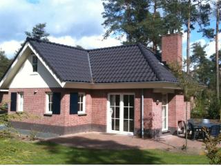 Great Holiday Villa 8 persons near Apeldoorn - Beekbergen vacation rentals