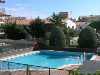 Cozy Condo with A/C and Shared Outdoor Pool - L'Estartit vacation rentals