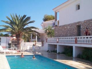 Bright House with Shared Outdoor Pool and Balcony in Peniscola - Peniscola vacation rentals