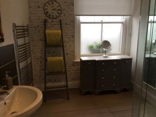 Cozy 2 bedroom Condo in Deal - Deal vacation rentals