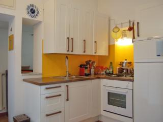 Cozy apartment in Navigli Area - Milan vacation rentals