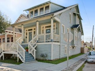 Oak Street Magic, Gorgeous, Large Restored House - New Orleans vacation rentals