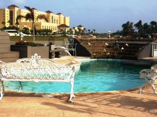 The Moroccan Retreat, Modern World, $129 - Palm/Eagle Beach vacation rentals