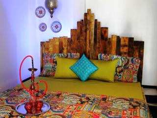Moroccan Retreat, $99, Palm Beach - Palm/Eagle Beach vacation rentals