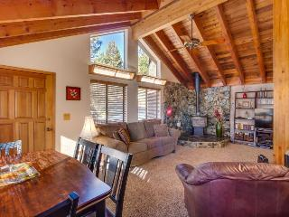 Dog-friendly ski chalet near Northstar, with room for 12! - Truckee vacation rentals