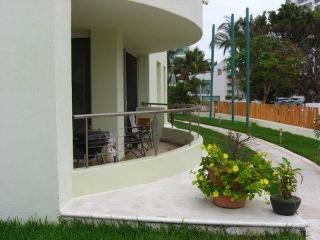 Beautiful beach condo in Nuevo Vallarta - Nuevo Vallarta vacation rentals