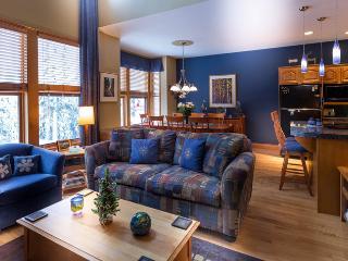 Monashee Magic - Deluxe 3 bedroom plus den townhome - Silver Star Mountain vacation rentals