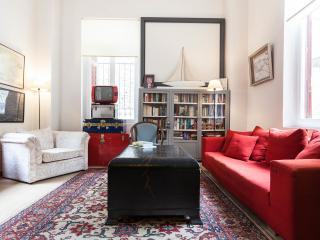 The Harry Belafonte Suite @ Alice Inn Athens - Athens vacation rentals