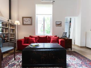 The Betty Boop Suite @ Alice Inn Athens - Athens vacation rentals