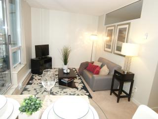 Cozy Up in Downtown Vancouver -Davie & Yaletow - Vancouver vacation rentals