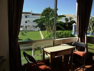 Studio  with views to sea and pool/gardens. - Benalmadena vacation rentals