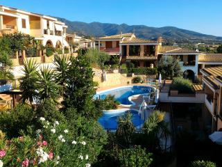 VILLASIMIUS AFFITTASI APPARTAMENTO IN RESIDENCE - Villasimius vacation rentals