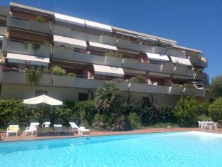 Splendido Appartamento 6 posti letto - Porto Azzurro vacation rentals