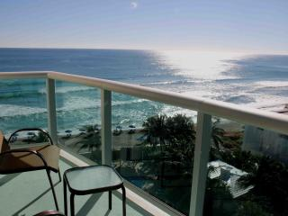 GREAT 2 BEDROOM APARTMENT JUST ON THE BEACH! - Hollywood vacation rentals