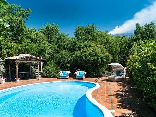 Lovely Villa with Internet Access and Central Heating - Catania vacation rentals