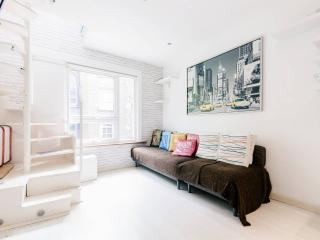 New York style loft apartment - London vacation rentals